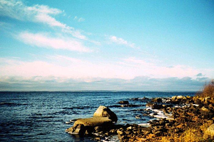Онежское озеро вид с восточного
